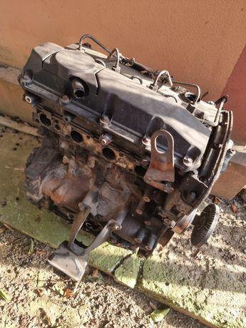 Vând motor Ford tranzit 2,4