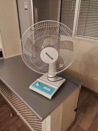 Вентилятор белого цвета 7000 тенге