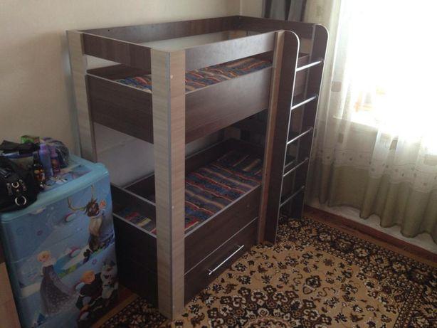 Продается детская двухъярусная кровать
