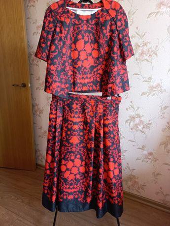Новое  платье-костюм