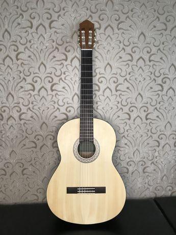 Класическая гитара Yamaha C40M
