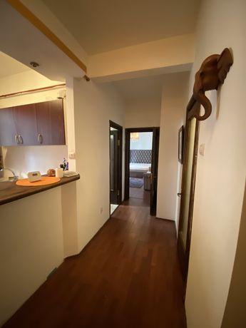 Inchiriez apartament cu o camera zona Barbu Vacarescu