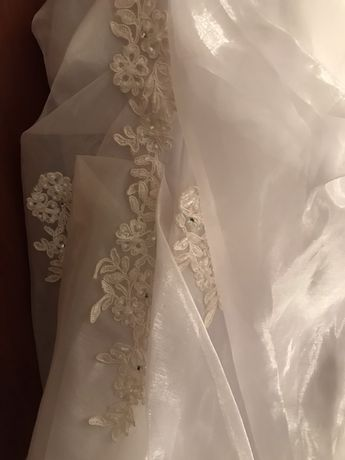 Vând rochie de mireasa nouă