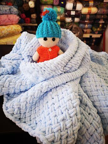 Бебешко ръчно плетено одеало