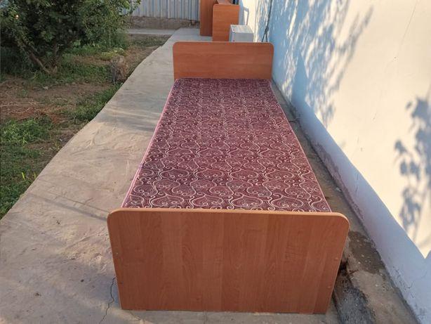Продаётся односпальная кровать 2 шт