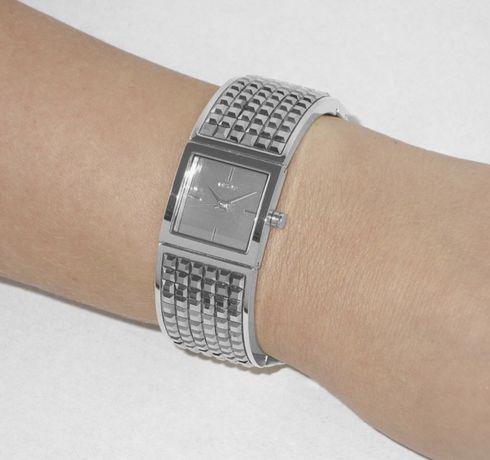 Срочно продам часы наручные!