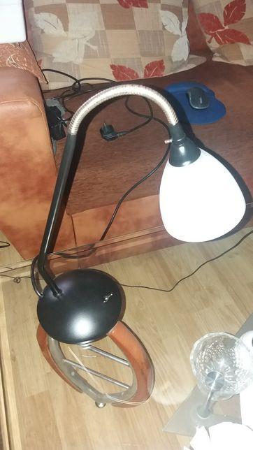 Lampa tip veioza