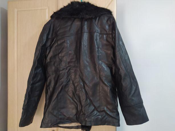 Продам новую куртку 50 размер