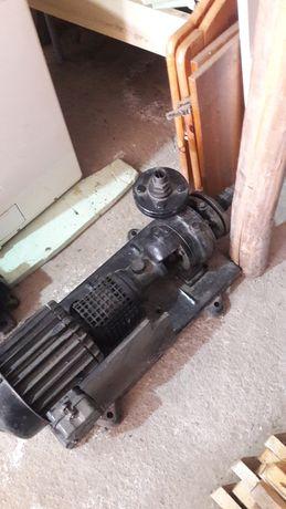 Pompa cu motor trifazic