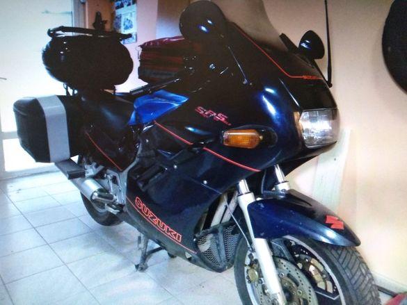 Suzuki GSX1100F Katana