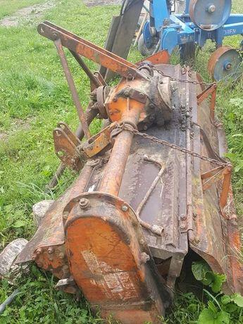 Vând fraza tractor