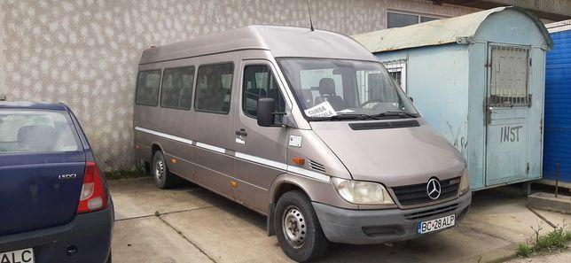 Microbuz Mercedes 17 locuri