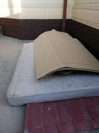 Матрас для спальных кровать.