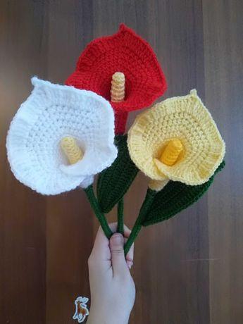 Плетени цветя в саксия, кошница с цветя