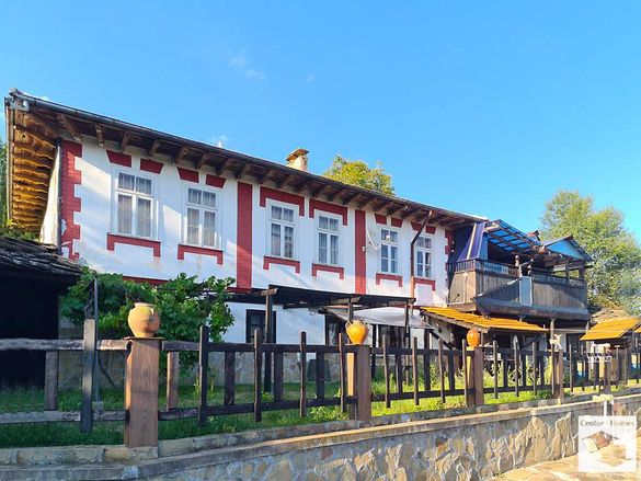 165085 Просторна двуетажна къща с хубава гледка, близо до град Габрово