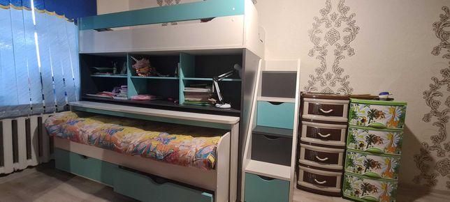 Продам детскую двух ярусную кровать