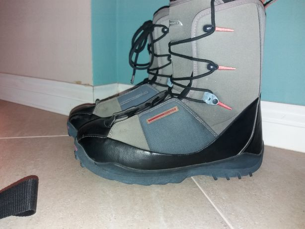 Boots Salomon 44