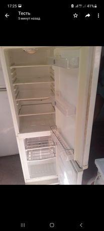 Холодильник в отличном состояни