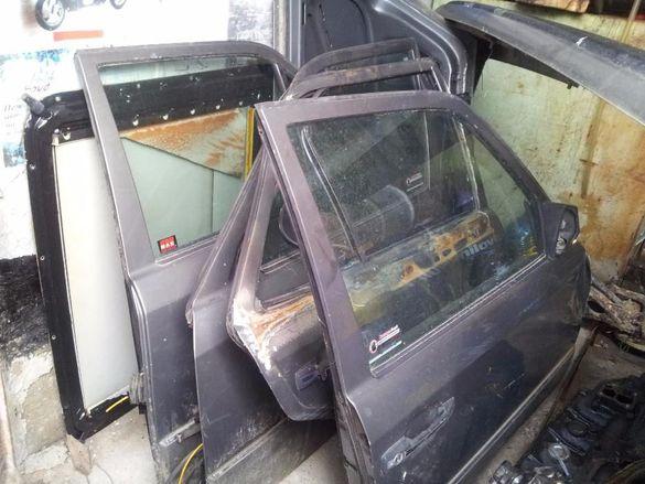 Продавам Части за Мерцедес Е200 - 92 г. - бензин