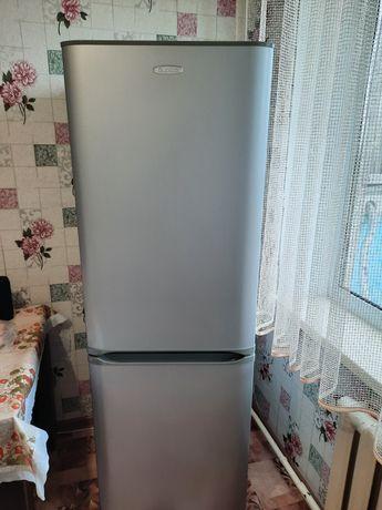 Продам холодильник в связи с переездом в очень хорошем состояний