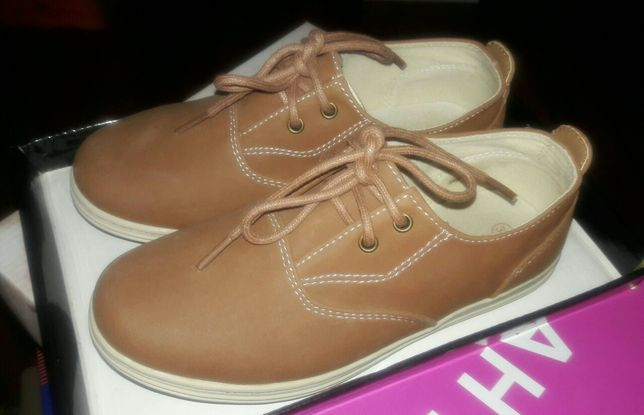 Новые ботинки для мальчика размер 33