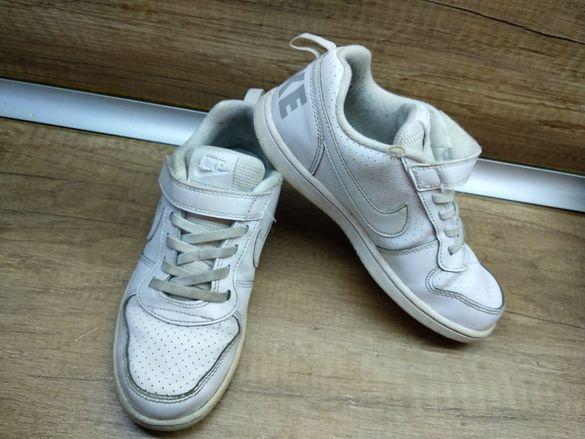 Маратонки Adidas и Nike