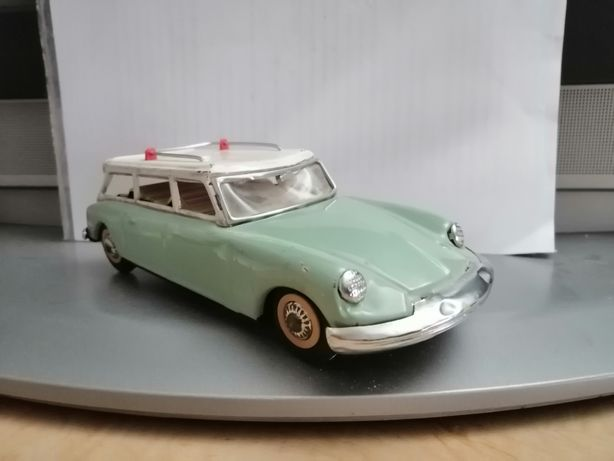 Mașinuță metalică de colecție Citroen