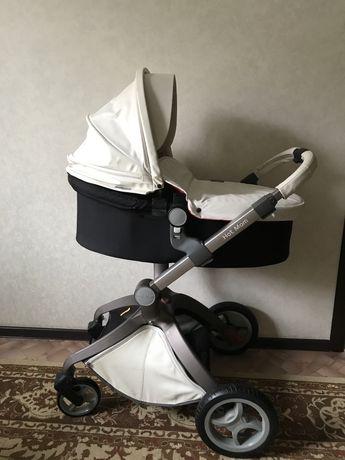 Продам коляск HOT MOM 2 в 1. В отличном состоянии очень удобная.