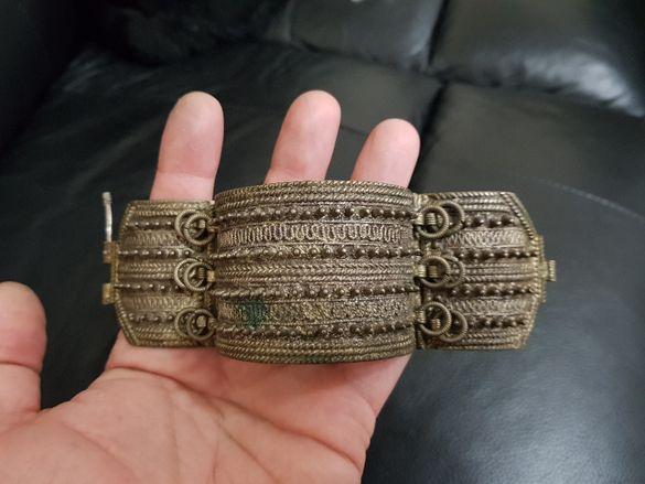 Рядка старинна Възрожденска сребърна бодливка накит 19 Век