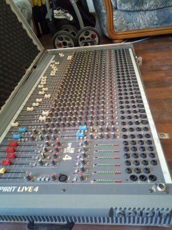 Mixer Soundcraft adus din Franța
