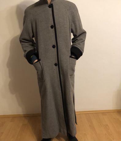 Palton din lana foarte calduros