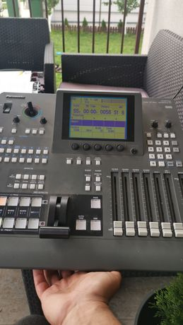 Vând mixer audio video Panasonic