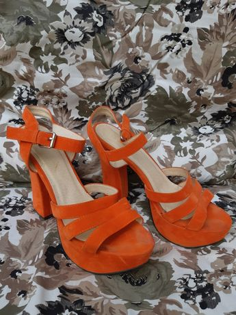Sandale marimea 39