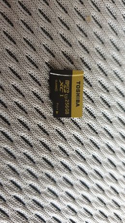 Vand card Toshiba micro sd 256gb urgent