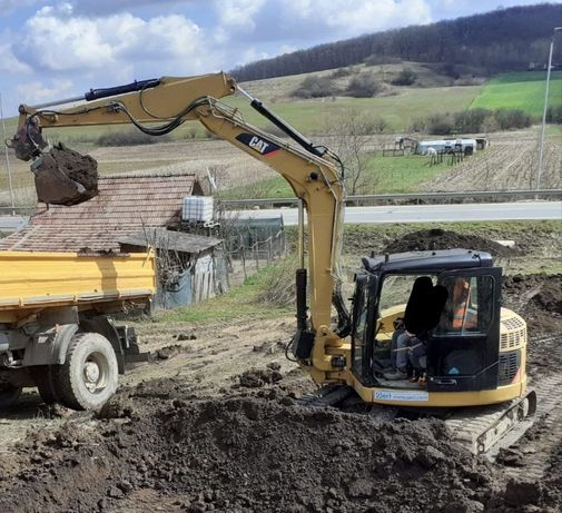 Inchiriez excavator 9 tone si buldoexcavator