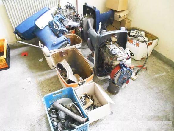 Продавам части за извънбордов двигател : Volvo Penta 45 /Кресчент