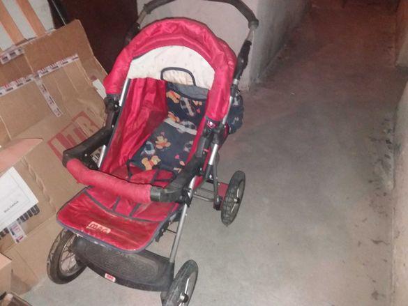 Бебешка количка добра.