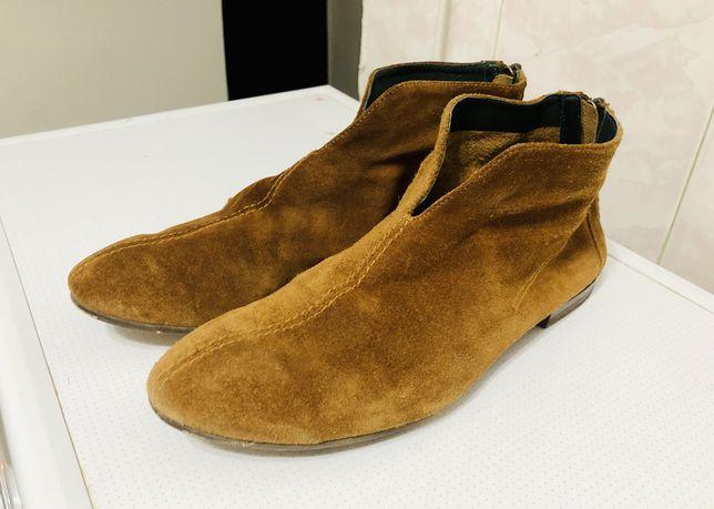 Новые замшевые ботинки Respect