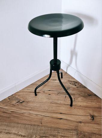 Продаю винтажный стул-столик, реставрированный