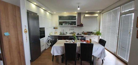 Луксозен апартамент с 3 спални в широк център на Благоевград.