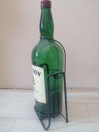 Продам 4,5 л бутылку.