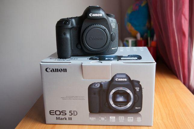 Canon 5D Mark III full box + battery grip, baterie suplimentara, card