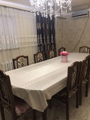Продаю стол с стульями в отличном состоянии