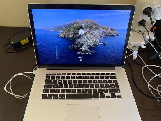MacBook Pro 15 inch;Retina Display;250 gb SSD;I7