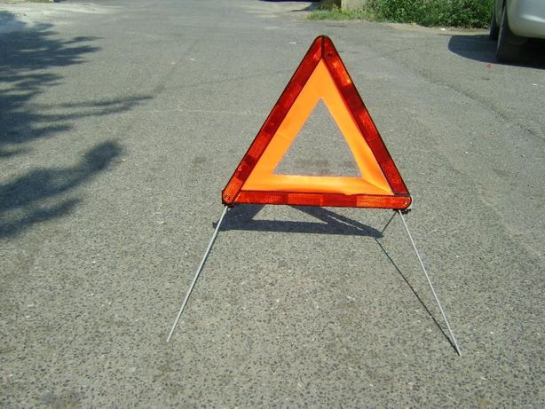 triunghi reflectorizant 1