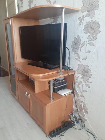 Продам мини стенку для гостинной под телевизор, состояние хорошиие.