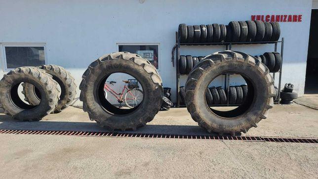 Vand cauciucuri tractor 2x 580/70R38 și 2x 480/70R28