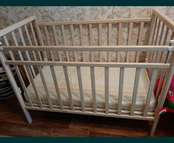 Продам детскую кровать-маятник