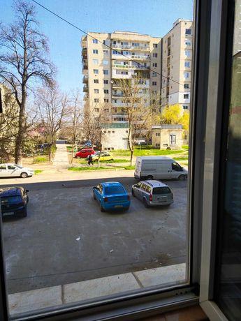 Apartament cu 2 camere in zona buna