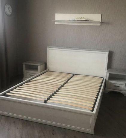 Продам спальную кровать